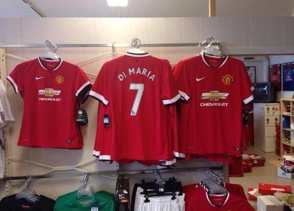 La roja del Fideo ya se comercializa en algunas tiendas de deportes británicas