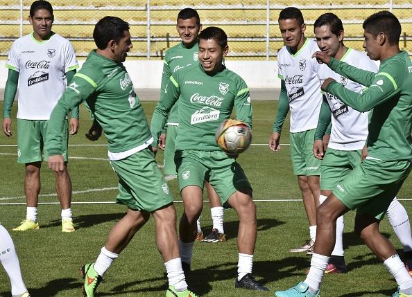 Bolivia derrotó a Perú y lo complica en las Eliminatorias