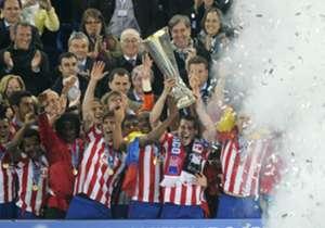 Con la aparición de la Europa League en 2010, Atlético Madrid fue el primero en festejar. Con Agüero, Forlán y Salvio en cancha, el Atleti venció a Fulham en la final y se coronó campeón por primera vez.