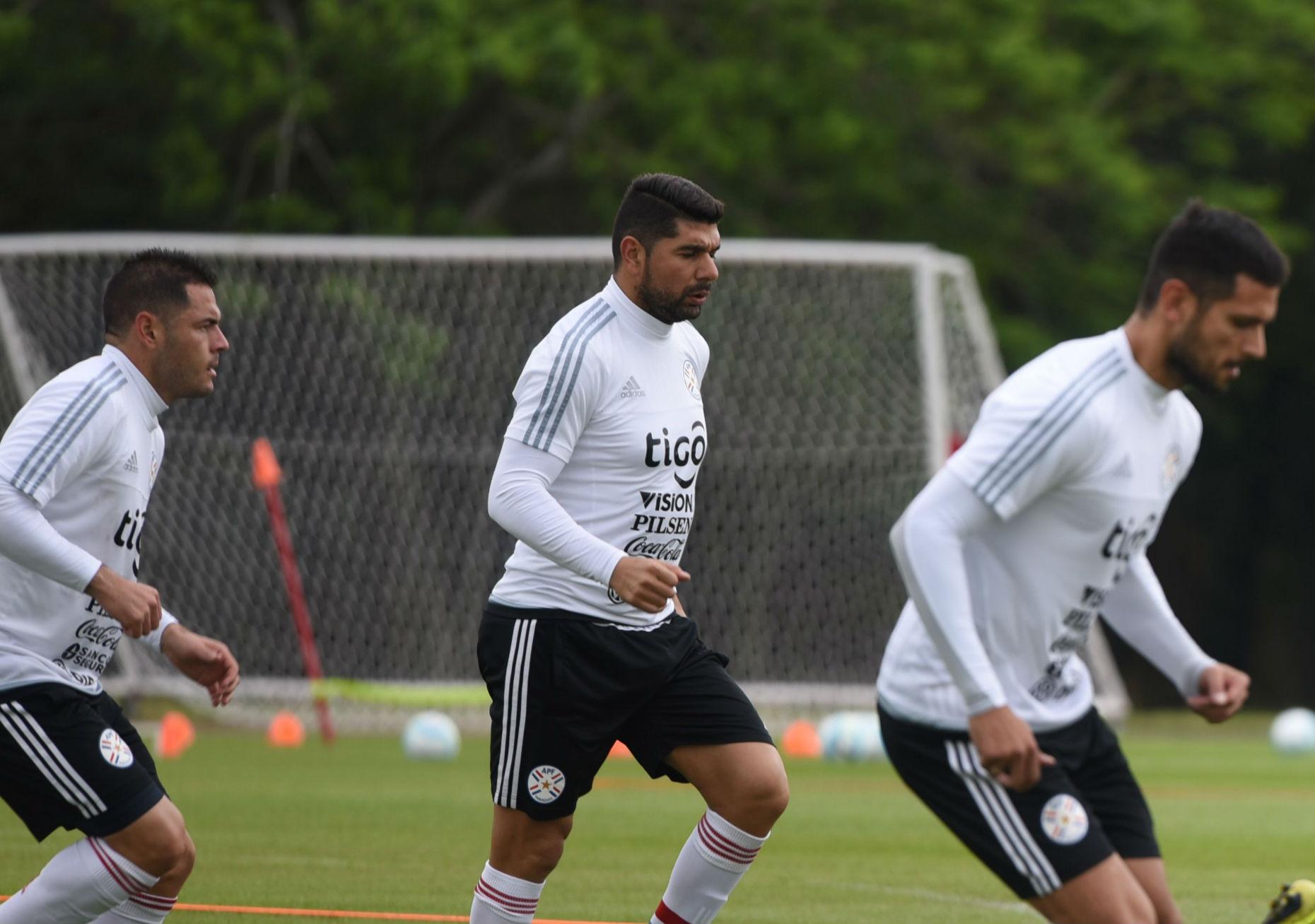 Uruguayos mandan en las eliminatorias