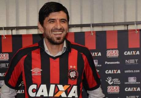 Paranaense presentó a Lucho González