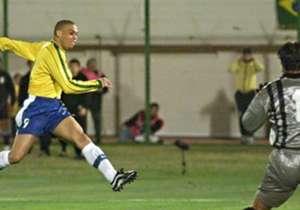 1999-07-18 | URUGUAY 0-3 BRASIL | FINAL COPA AMÉRICA | Cuatro años más tarde, se volverían a ver las caras en la final de la Copa América de Paraguay, disputada en el Estadio Defensores del Chaco. Dos goles de Rivaldo (20' y 27') y uno de Ronaldo (46')...