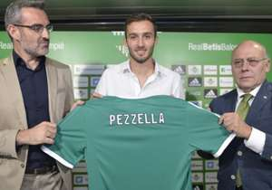 Germán Pezzella | Argentina | De River a Betis por 2,52 millones de dólares.