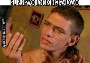 """El nuevo corte de pelo de Falcao trajo consigo varias cargadas en Internet. Sin embargo, el delantero colombiano no se achica y desde su cuenta de Twitter lanzó: """"Los cambios no son fáciles, pero hay momentos en que hay que hacerlo. Atrévete"""""""
