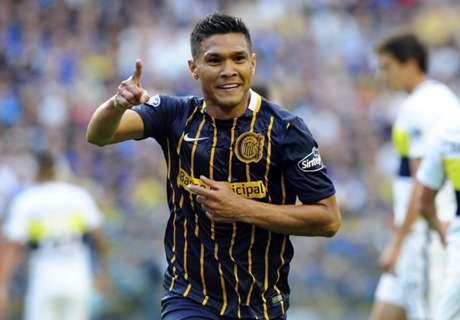 Teo sigue festejando su gol a Boca