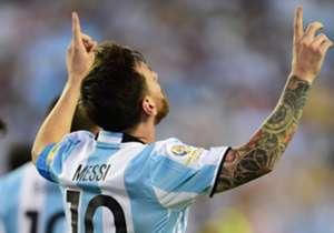 55 goles marcó durante su paso por la Selección. Con el tanto que le anotó a Estados Unidos en la semifinal de la Copa América, superó a Gabriel Batistuta como el máximo goleador histórico del combinado nacional.