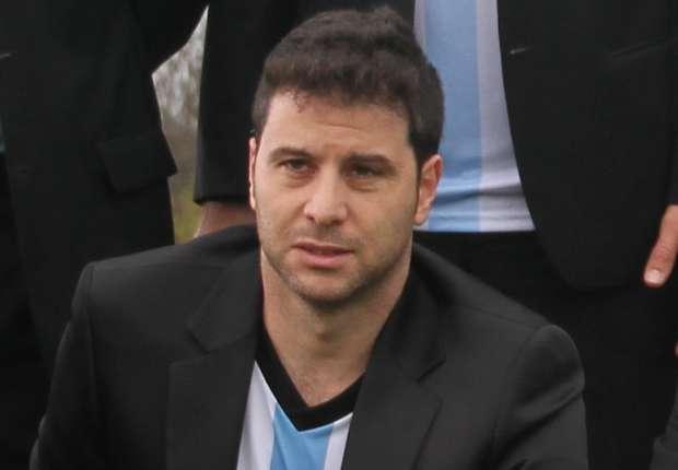 El peor relator del futbol argentino se aleja de FPT