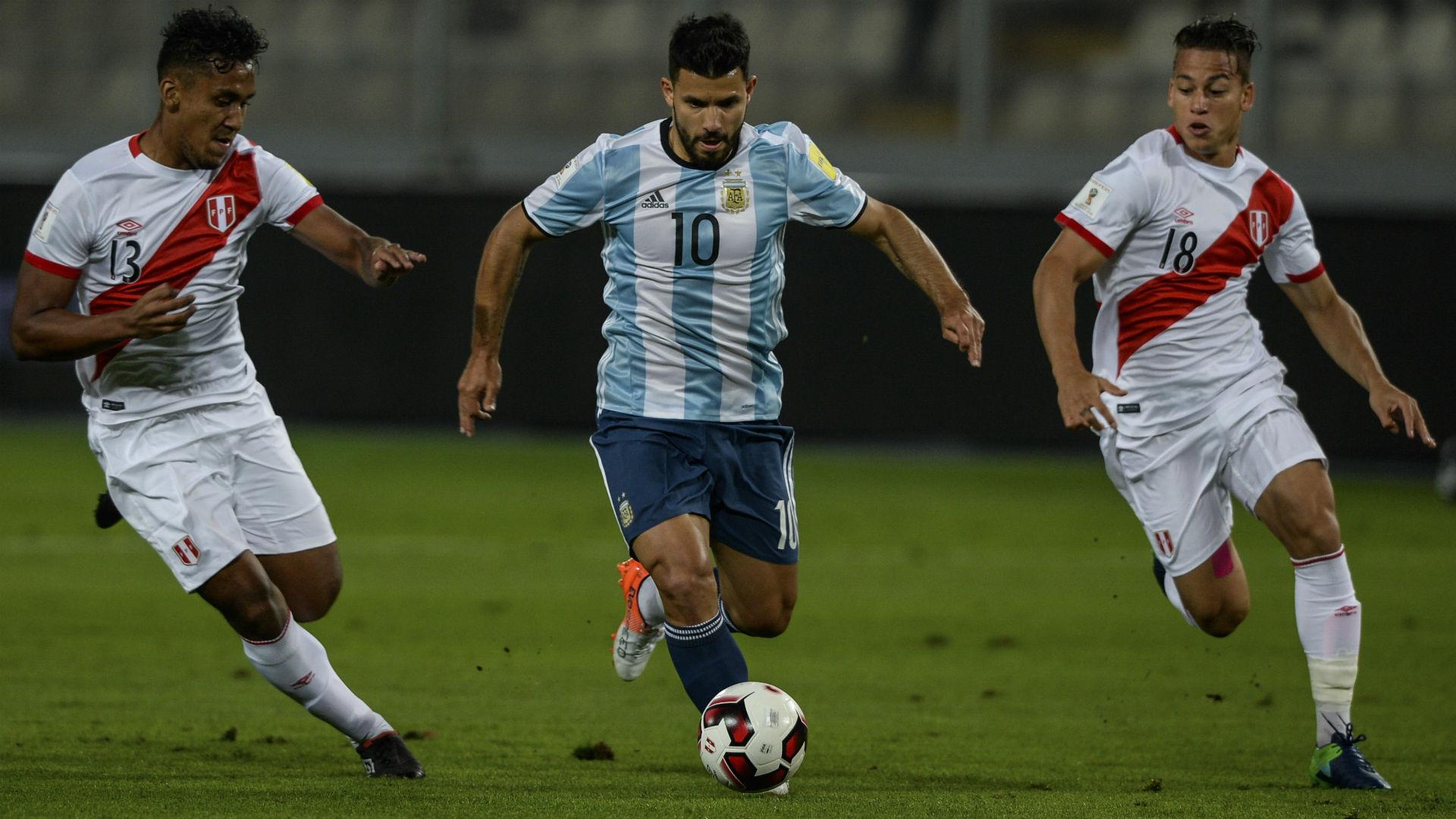 Argentina, en zona de repesca tras empatar con Perú