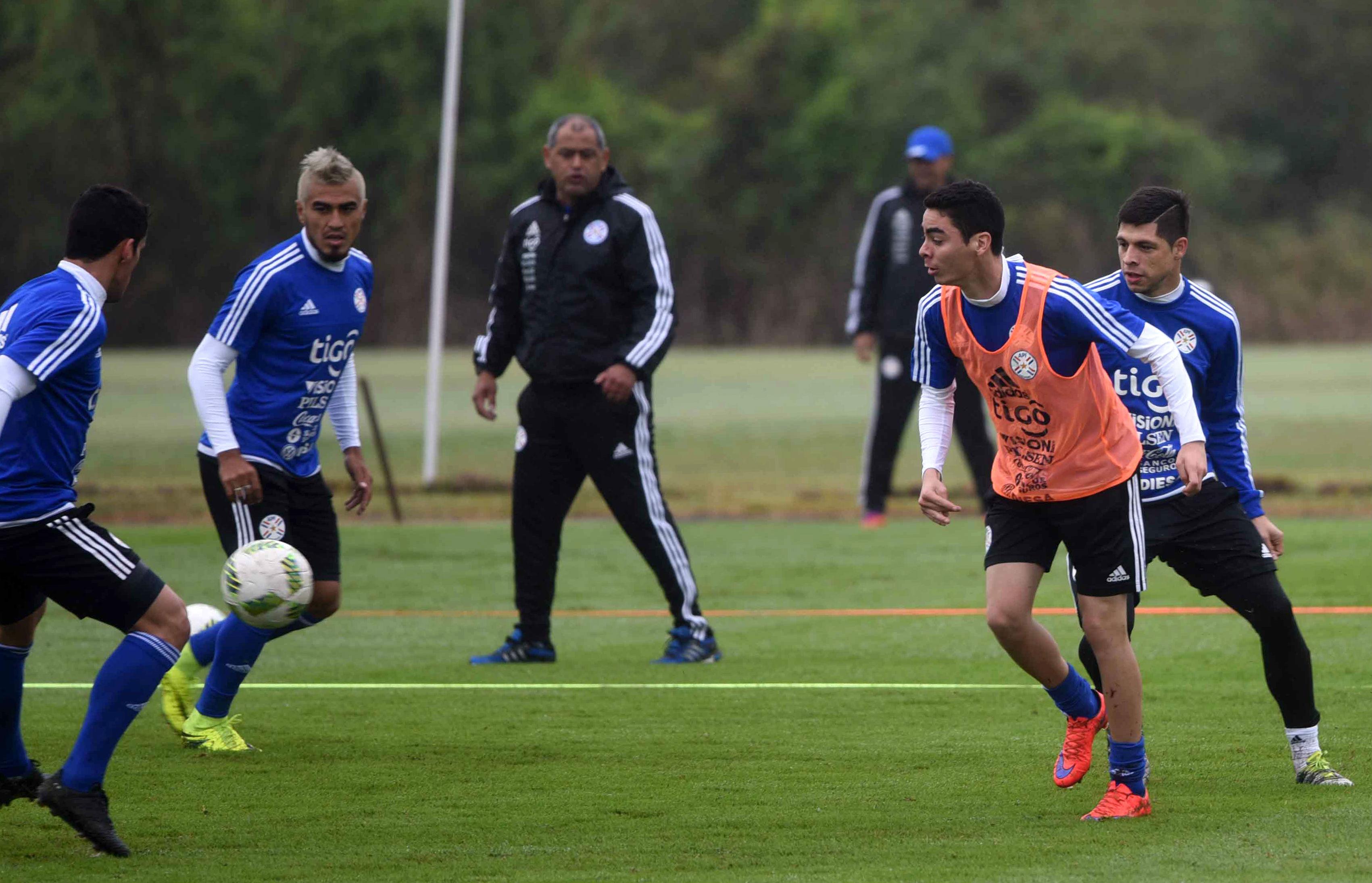 Paraguay llama de nuevo a Barrios y Pérez para eliminatorias