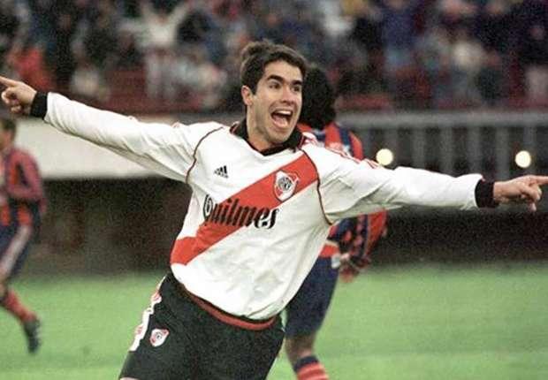 Ángel fue el goleador del River campeón del Clausura 2000.