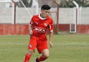 EZEQUIEL BARCO | Independiente | El juvenil de 17 es una de las joyas de la cantera del Rojo y ya debutó oficialmente con el primer equipo. Después de ser promovido por Gabriel Milito, el extremo firmó su primer contrato profesional.