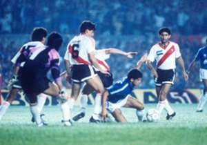 Enfrentaba nada menos que al rival que lo había amargado 15 años atrás en la Libertadores.
