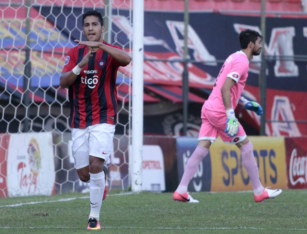 Cerro Porteño entrena a puerta cerrada en su primer día en Medellín