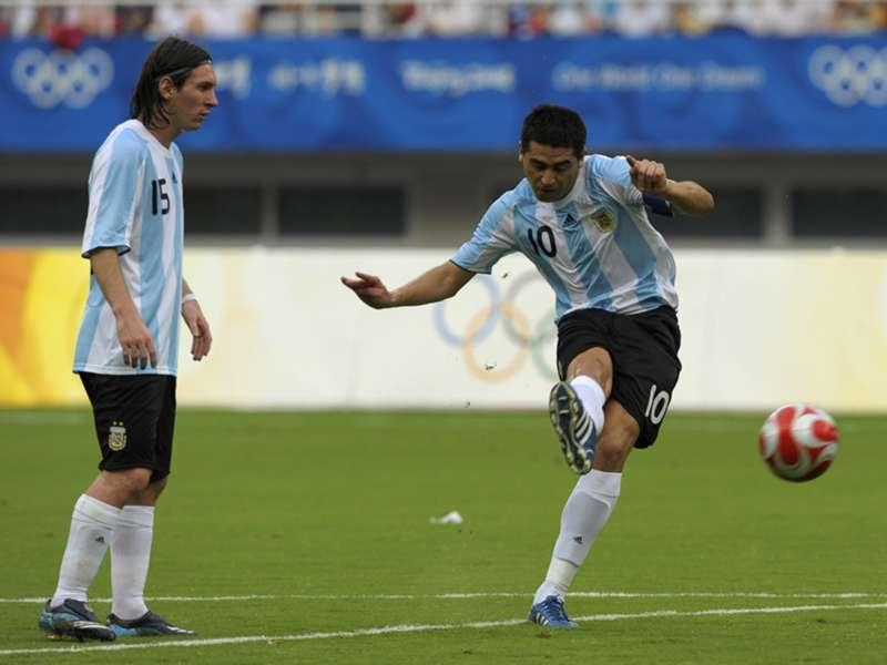 """Riquelme: """"Messi no se debe dar cuenta lo que hace"""""""
