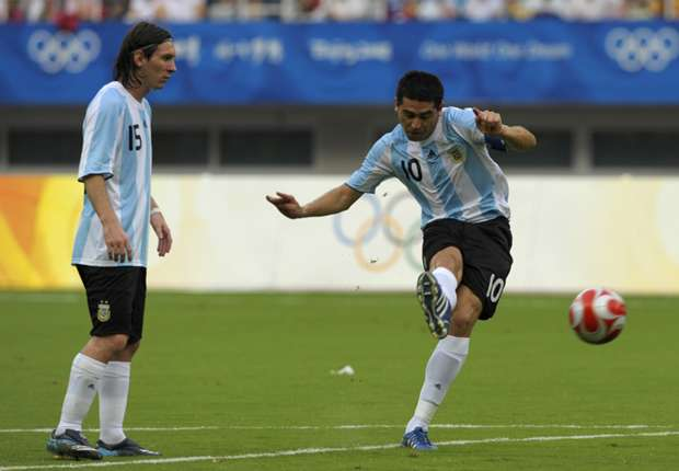 Riquelme: Messi is Maradona's equal