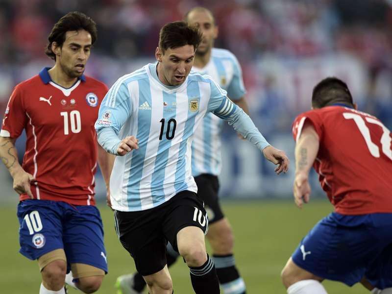 Marcos Reina, entrenador español, defendió a Messi con un video ...