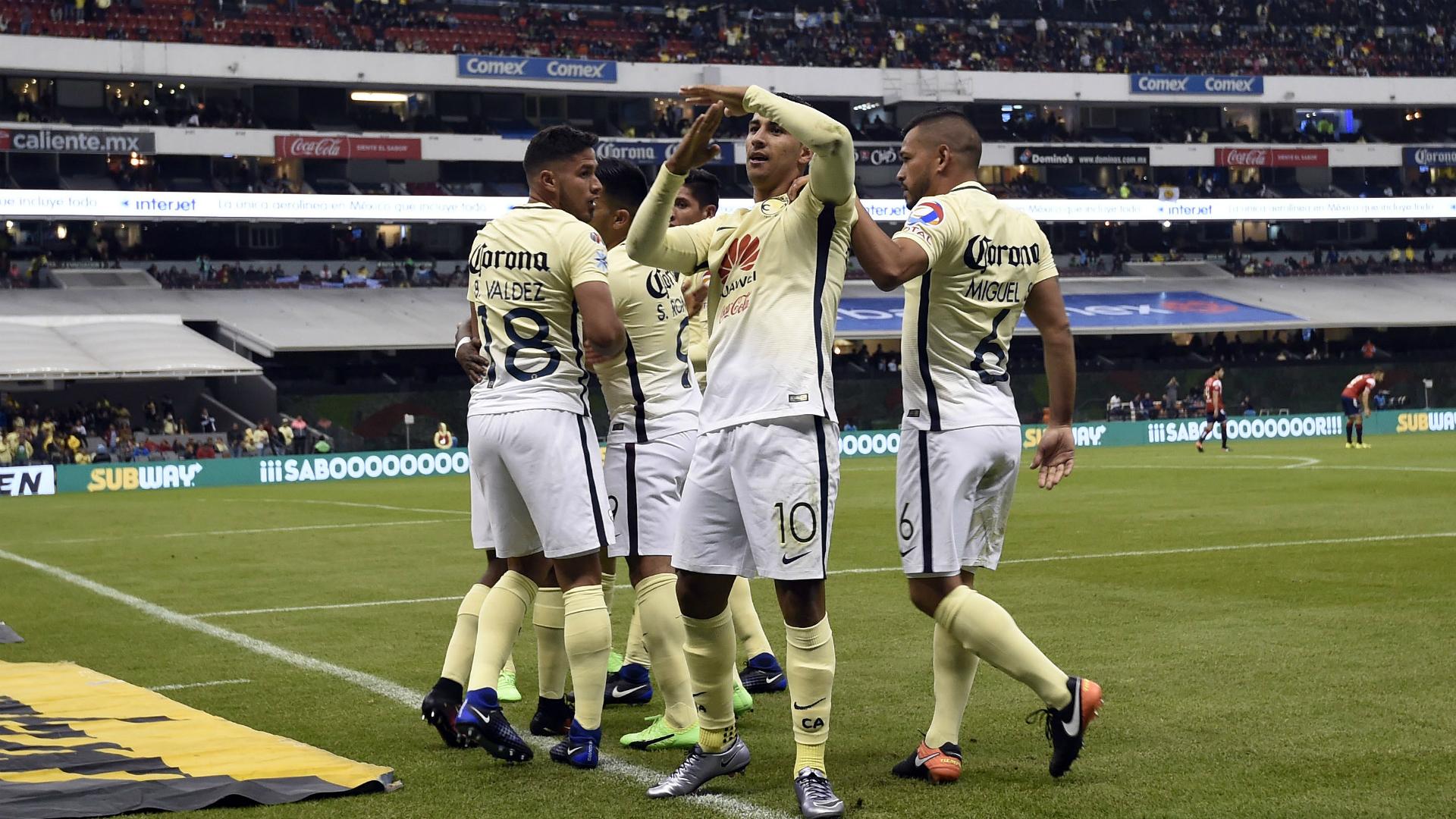 Pumas exhibe a agresor de Cecilio Domínguez