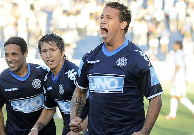 Cristian Fabbiani vuelve al fútbol.