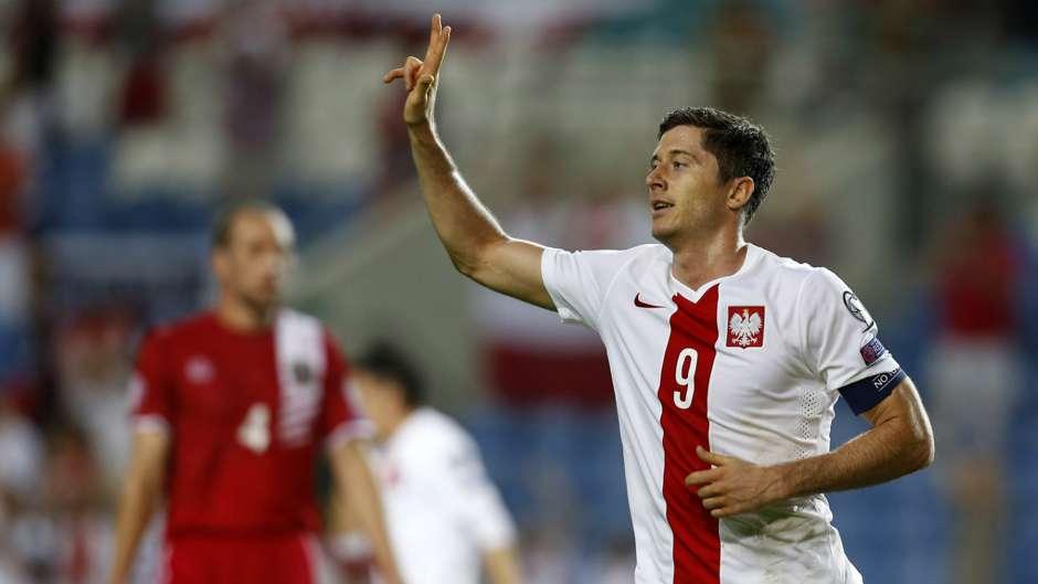 Robert Lewandowski Gibraltar Poland Euro 2016 Qualifiers 07092014