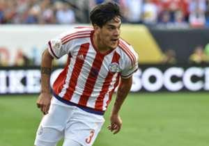 El paraguayo, por ahora, se queda en Lanús.