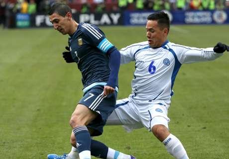Résumé de match, Argentine-Salvador (2-0)