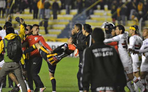 VIDEO: Rudelbildung in der Copa!