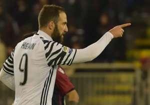 22) Cagliari 0-2 Juventus | Serie A | 12/02/2017 | El Pipita recibió una asistencia de Dybala en el área y definió con toda su categoría otra vez ante la mirada del arquero para poner el segundo de la Vecchia Signora.