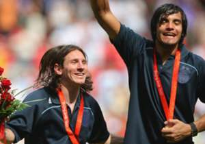 Ganó la medalla de oro en Beijing 2008 en equipo de Batista.