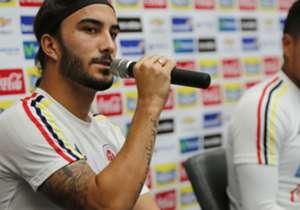 Sebastián Pérez eligió el brazo derecho para lucir sus diseños.