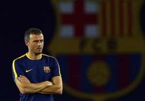 LUIS ENRIQUE (Barcelona) | El estratega español redondeó un año espectacular al conquistar 5 de los 6 títulos posibles; sólo el Athletic le arrebató la gloria en la Supercopa de España.