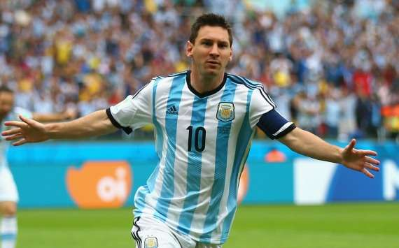 Nigeria coach Keshi hails Messi: He is from Jupiter