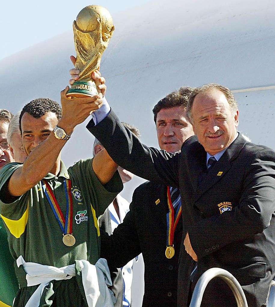 Scolari y Cafú título mundial 2002