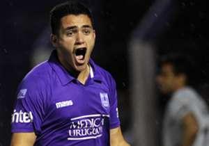 Maximiliano Gómez | Con 19 años, el delantero de Defensor Sporting, es uno de los apuntados por River para reforzar el plantel. Para que llegue se debe librar un cupo de extranjero (Viudez, Alonso, Balanta o Mayada).