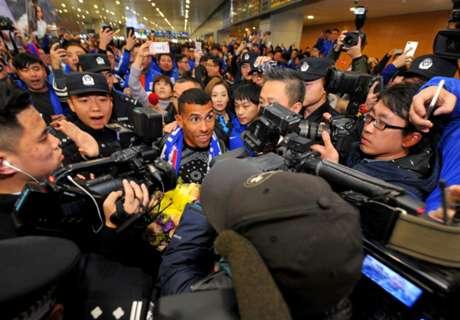 Tevez llegó a China