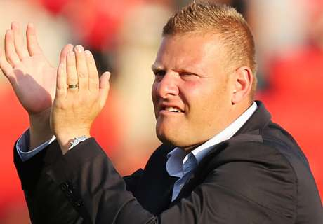 Gombau's agent scotches J-League link