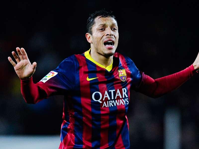 Outro do Barça! Adriano é alvo de investigação do fisco espanhol