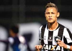 2º - Botafogo: 30 pontos