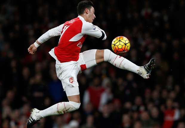 Wenger: Ozil risking injury, but resting him is too costly