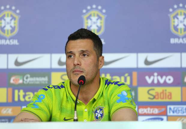 Confident Julio Cesar not feeling World Cup pressure