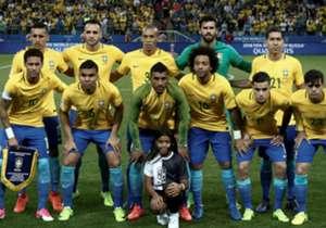 Contra um Paraguai retrancado e firme na marcação, a Seleção aproveitou o talento de Coutinho e Neymar para vencer o adversário e se tornar mais líder do que nunca nas Eliminatórias. A Rússia é logo ali.
