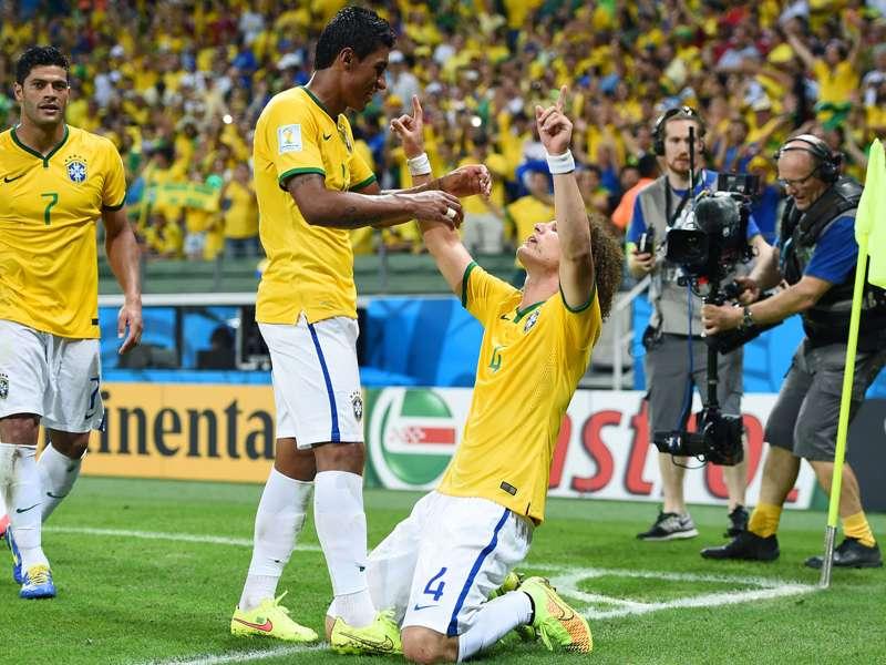 """Hulk rasga elogios a David Luiz: """"Ele é demais"""""""