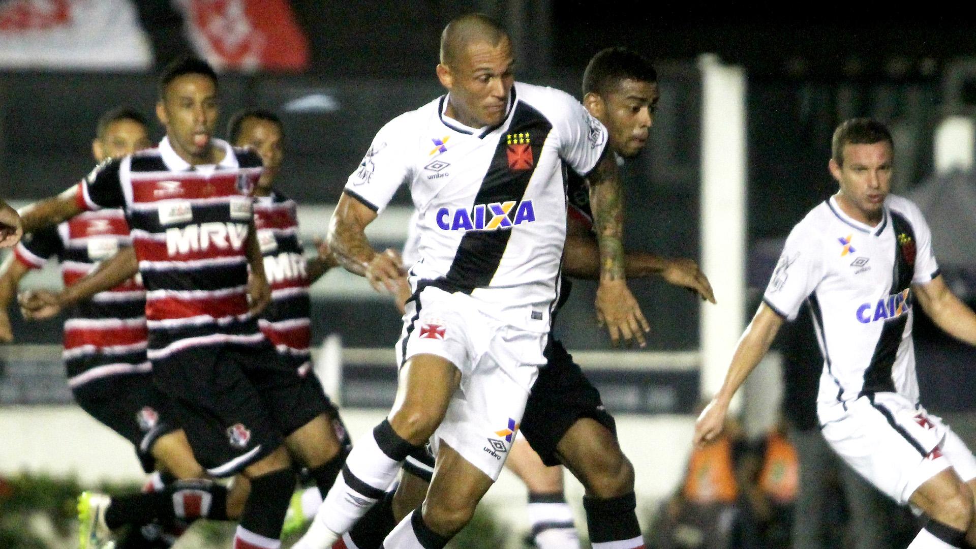 Com espírito de decisão, Vasco enfrenta o Santa Cruz em casa