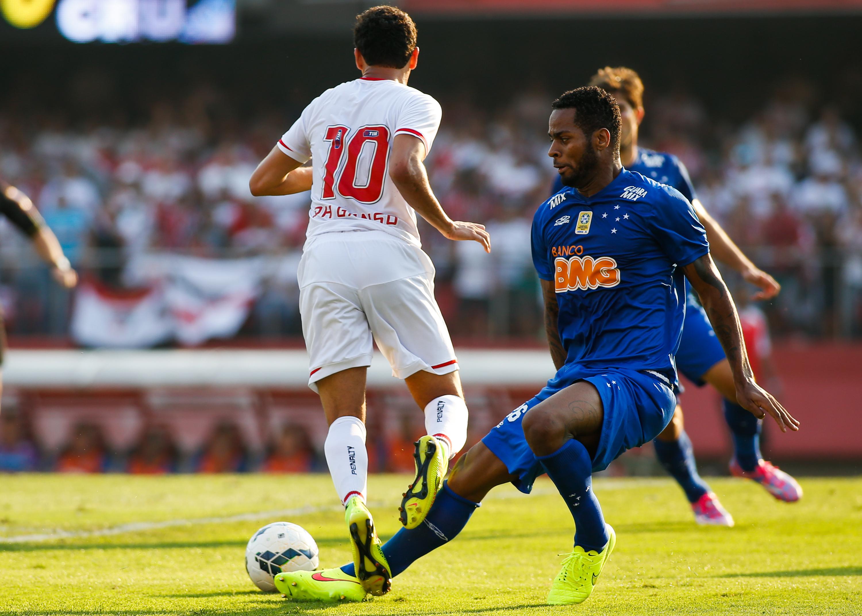 Cruzeiro oferece Dedé e uma parte em dinheiro para ter o são-paulino Ganso
