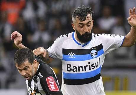 Douglas renova com Grêmio