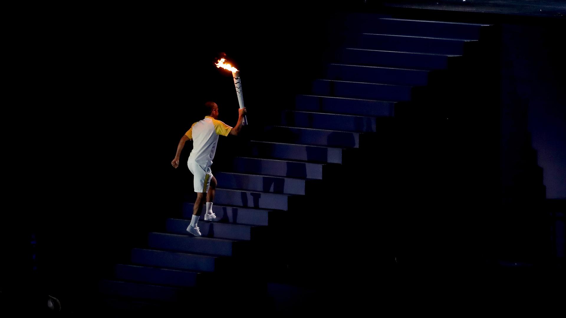 Rio 2016, ex maratoneta Cordeiro De Lima ultimo tedoforo
