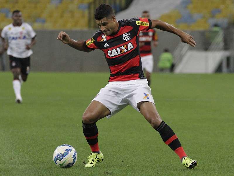 Além de perder Guerrero, Flamengo não terá Ederson contra o Sport