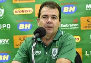 Por alguns dias de diferença, Enderson Moreira é o treinador mais longevo entre os clubes da Série A do Brasileirão. Confira a lista completa!