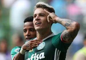 O MELHOR EM CAMPO | Róger Guedes | Outra ótima partida do atacante, principalmente no primeiro tempo. Foi premiado com mais um gol.