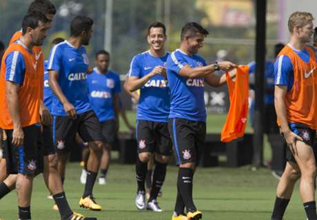 Marlone vê Corinthians mais forte