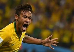 Neymar fez dois gols